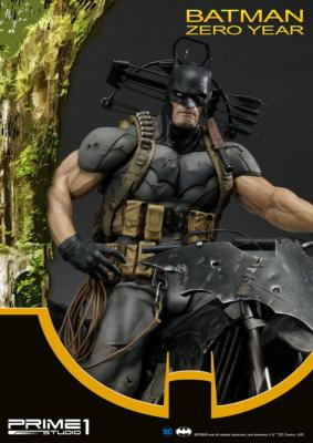 Batman Zero Year 64 cm DC Comics | Prime 1 Studio