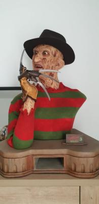 Freddy Krueger Life-Size Buste 71cm | Elite Creature Collectible